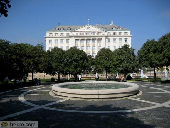 Parkovi grada Zagreba IMG_1914_starcevic_square