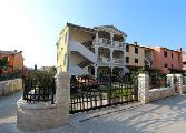 Rooms and Apartment Nevia